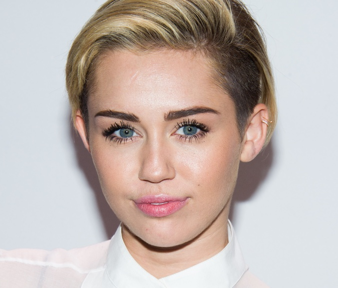 Miley Cyrus: How To Merge Two Faces Into One And See The Results